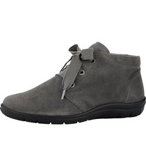 skor av mjukt skinn naturläufer grå