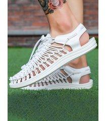zapatos con cordones tejidos con punta redonda para hombre sandalias