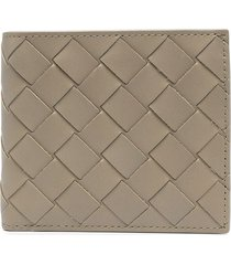 bottega veneta intrecciato leather bifold wallet - brown