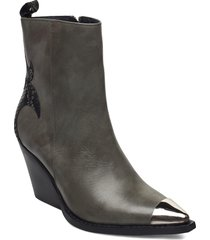 hasna shoes boots ankle boots ankle boot - heel grön re:designed est 2003