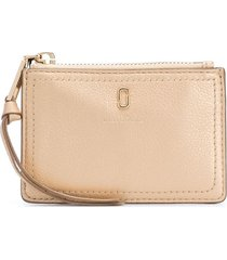 marc jacobs the softshot pearlized top-zip wallet - gold