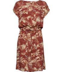 sunja dress knälång klänning röd minus