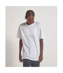 camiseta com lettering alto relevo embossed   blue steel   branco   m