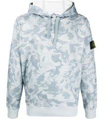stone island camouflage-print branded hoodie - blue