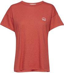 embroidered crown vintage crew t-shirts & tops short-sleeved röd rag & b
