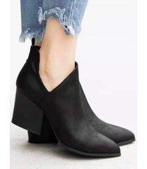 short de tacón grueso en punta botas