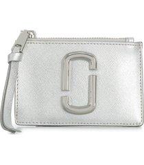 marc jacobs top zip multi wallet - silver