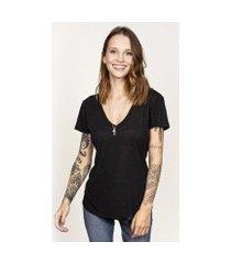camiseta cora básico decote v podrinha linho feminina