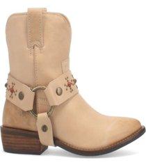 dingo women's silverada leather bootie women's shoes