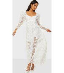 for love & lemons rawlins embroidery maxi dress maxiklänningar