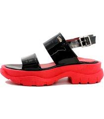 sandalia roja plataforma