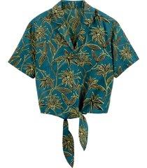 blommig skjorta med knytning i midjan