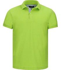 camiseta tipo polo verde limón fondo entero