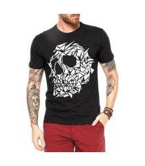 camiseta criativa urbana caveira assimétrica