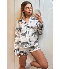 satijnen zebraprint pyjama set met lange mouwen en shorts, wit