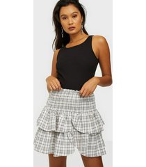 neo noir carin small check skirt minikjolar