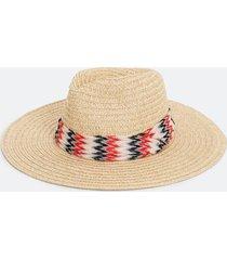 chapéu panamá com lenço