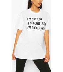 zwangerschap 'not a regular fit mom' t-shirt, wit