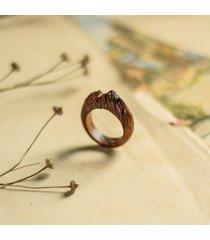 drewniany pierścionek dla miłośników gór