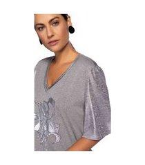 t-shirt maria valentina decote v com silk cinza