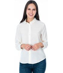 camisa para dama color crema con botones frontales y en manga