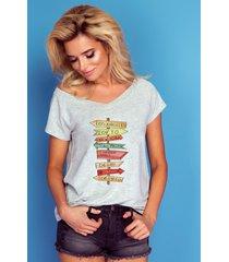 t-shirt z dekoltem