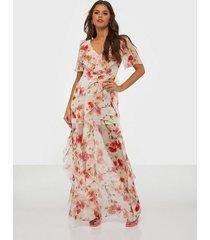 missguided floral ruffle high low maxi dress maxiklänningar