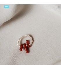 pierścionek z pereł i koralowca