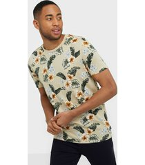 premium by jack & jones jprdale bla. tee ss crew neck pre t-shirts & linnen vit