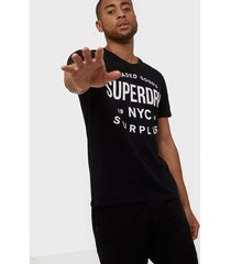 superdry surplus goods classic graphic tee t-shirts & linnen black