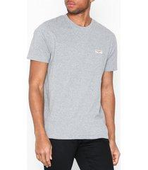 nudie jeans daniel logo tee t-shirts & linnen grey melange