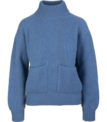 light blue woman castore pullover