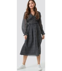 na-kd boho smock detail v-neck midi dress - black