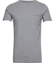 alder basic chest pocket tee - gots t-shirts short-sleeved grå knowledge cotton apparel
