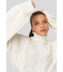 donnaromina x na-kd chunky cable knit sweater - white