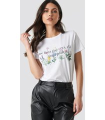 na-kd trend french flower printed tee - white