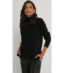 na-kd stickad tröja med sidoslits - black