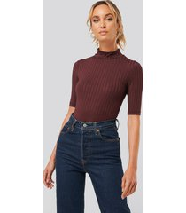 na-kd basic ribbed high neck body - burgundy