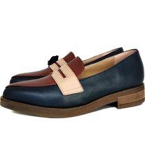 zapato azul miye collazo calidez