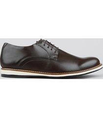 sapato masculino com cadarço marrom
