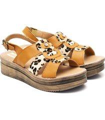 sandalia de cuero marrón valentia calzados preta