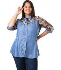 camisa jeans com tule e renda plus size confidencial extra feminina