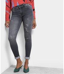 calça jeans cigarrete sawary barra virada feminina