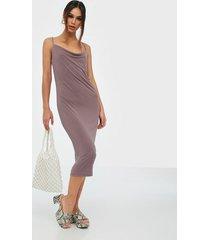 vila vihazel singlet dress/dc fodralklänningar