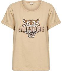 medly t-shirt