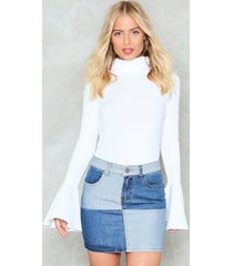 womens flare to dream turtleneck sweater - white