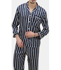 set di pigiami da uomo con stampa a strisce sul petto