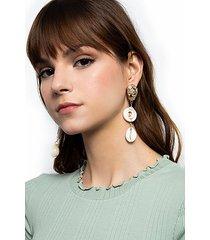 *shell drop earrings - brown