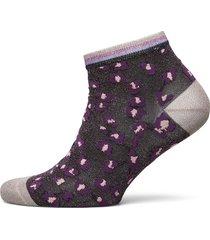 carree short sock footies träningssockor/ankle socks lila unmade copenhagen