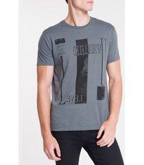 camiseta masculina unparalleled chumbo calvin klein jeans - gg